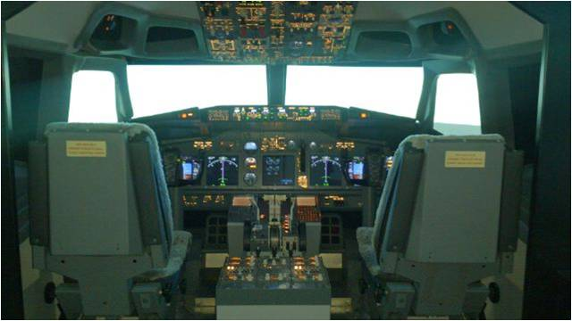 B737-800 Flight Training Device